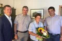 Wir gratulieren Frau Ernestine Massinger zum 80. Geburtstag.