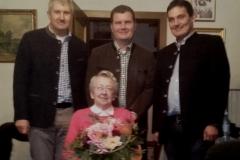 Wir gratulieren Frau Emma Unger zum 85. Geburtstag.